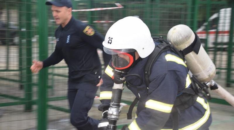 Вогнеборці, які охороняють об'єкти Южно-Українського енергокомплексу, - серед кращих рятувальників Миколаївщини. Фото.