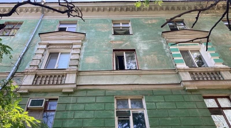 В Николаеве полуторагодовалый мальчик выпал из окна 4-го этажа