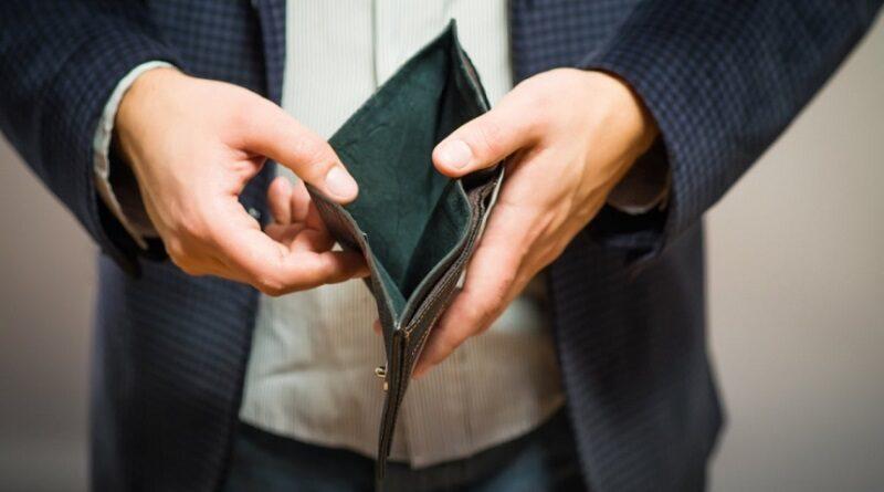 22% николаевцев стали значительно беднее за последний год, — опрос