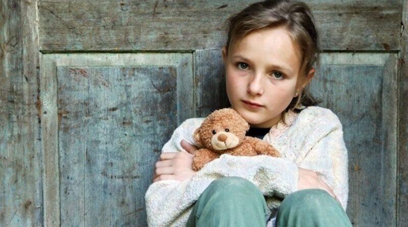 В Украине растет число детей-сирот