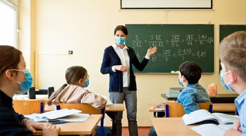 В Минобразования разъяснили, как будут работать учебные заведения в «красной» зоне