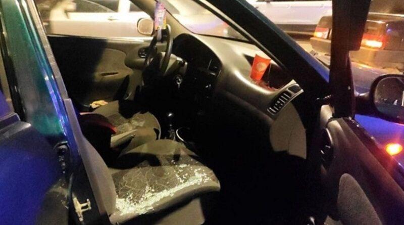 В Черновцах обстреляли автомобиль с детьми