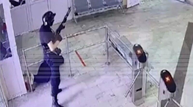 Появилось видео бойни в Перми. 18+