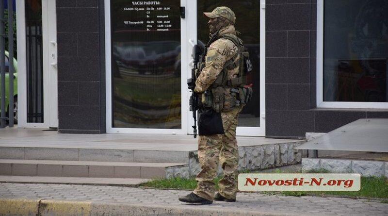 В Николаеве проводят массовые обыски из-за угрозы взорвать офис ЛГБТ