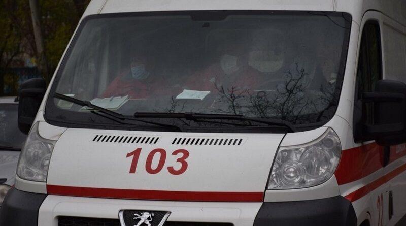 Во Львовской области мужчина на авто насмерть задавил собственную 2-летнюю дочь