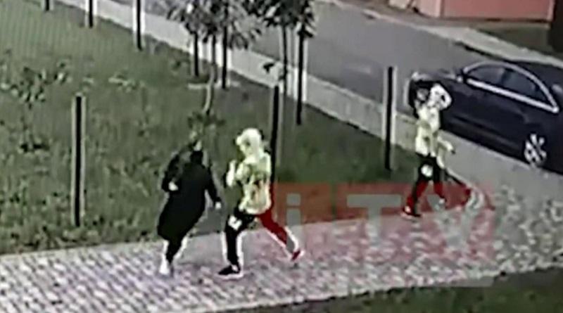 В Ровно 15-летние близнецы решили повторить видеоигру и напали с ножом на прохожую (видео)