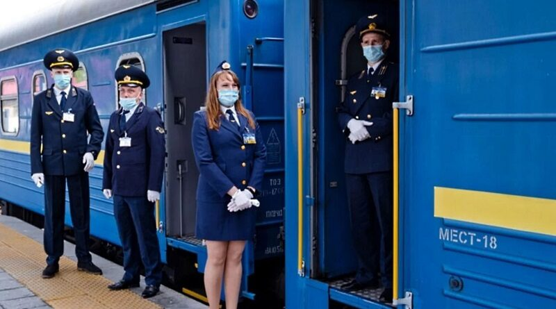 Ляшко назвал единственный способ проезда поездом или автобусом невакцинированному с 21 октября