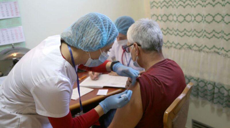 На ЮУАЕС «мобільно» вакцинувались працівники управління соціальних об'єктів