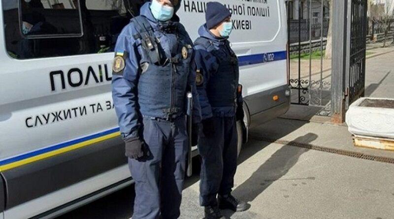 Полиция и СБУ собираются проверять соблюдение карантина в кафе и кинотеатрах Украины