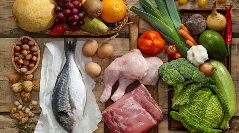 В Николаевской области подорожали яйца, сало и рыба, а сахар и фрукты подешевели