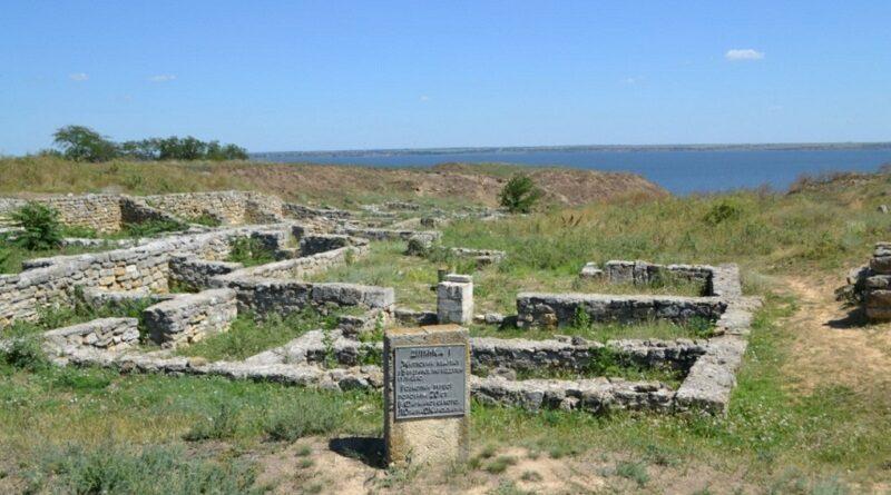 В Ольвии археологи нашли подземный склеп I века