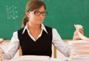 В Украине с ноября непривитых учителей будут отстранять от работы