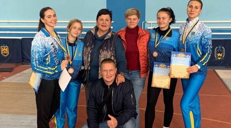 Николаевские рапиристки завоевали бронзу на Кубке Украины